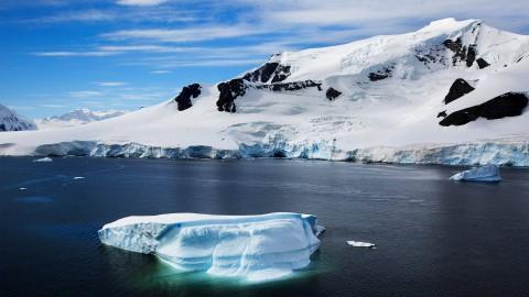 """""""iceberg-with-scenic-antarctica-mountains-3840x2160.jpg"""""""